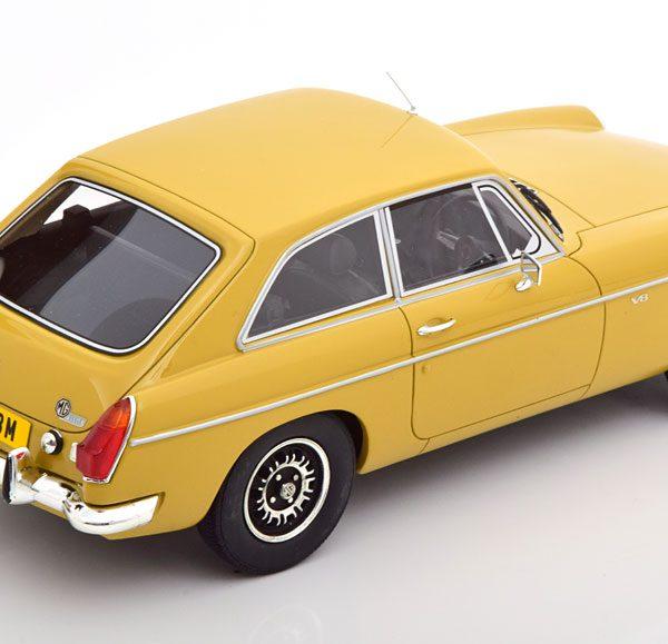 MG B GTV B8 ( RHD ) 1973 Geel 1-18 Cult Scale Models ( Resin )