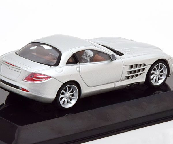 Mercedes-Benz SLR McLaren 2003 Zilver 1-43 Altaya Supercars Collection
