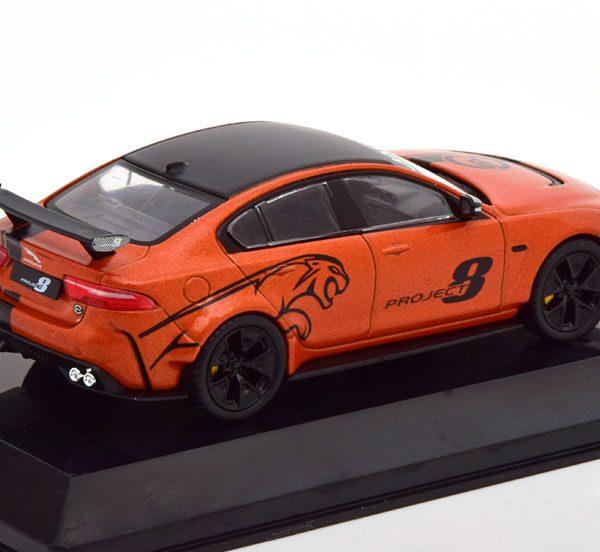 "Jaguar XE SV ""Project 8"" 2017 Oranje Metallic / Zwart 1-43 Altaya Supercars Collection"