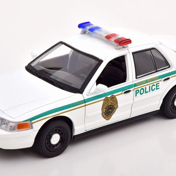 """Ford Crown Victoria 2001 """"TV Serie Dexter"""" Wit / Groen 1-24 Greenlight Collectibles"""