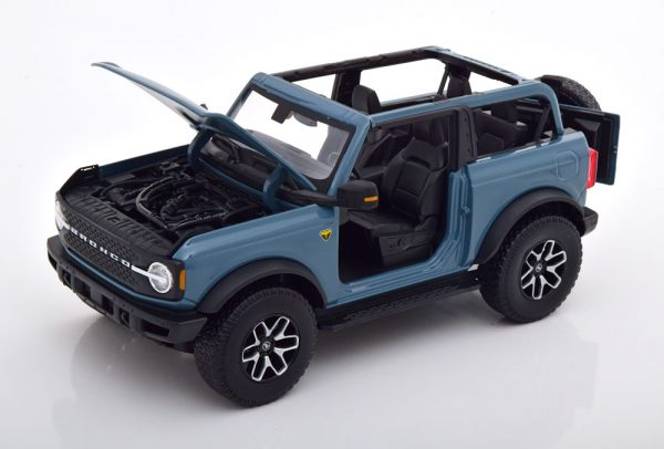 Ford Bronco Badlands 2021 Grijsblauw 1-18 Maisto