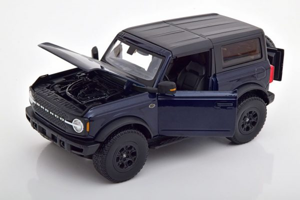 Ford Bronco Wildtrak 2021 Donkerblauw 1-18 Maisto