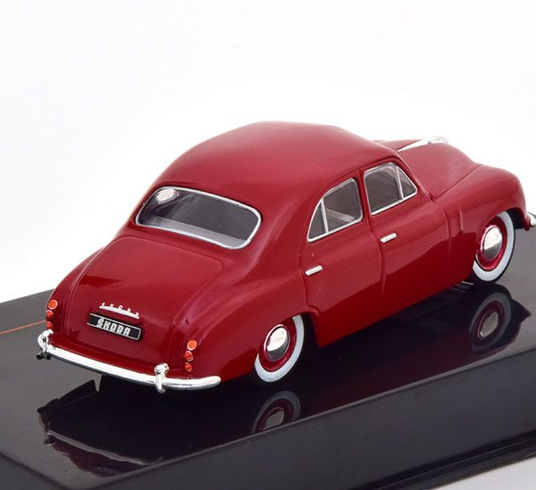 Skoda 1200 Limousine 1952 Dark Red 1-43 Ixo Models