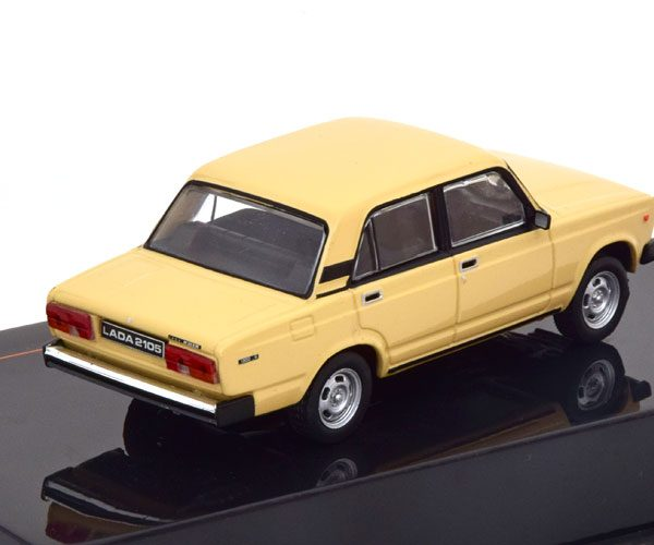 Lada 2105 1981 Beige 1-43 Ixo Models