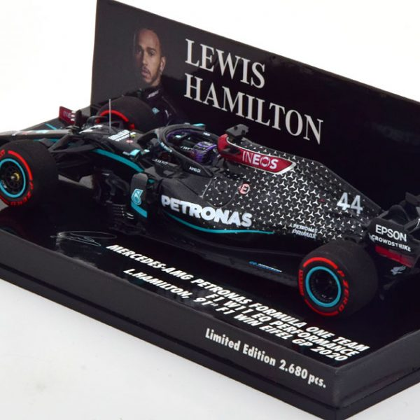 "Mercedes AMG Petronas F1 Team W11 EQ Performance 91st F1 Win GP Winner Nürburgring ( Eifel ) 2020 World Champion L.Hamilton ""met Helm van Michael Schumacher"" 1-43 Minichamps Limited 2680 Pieces"