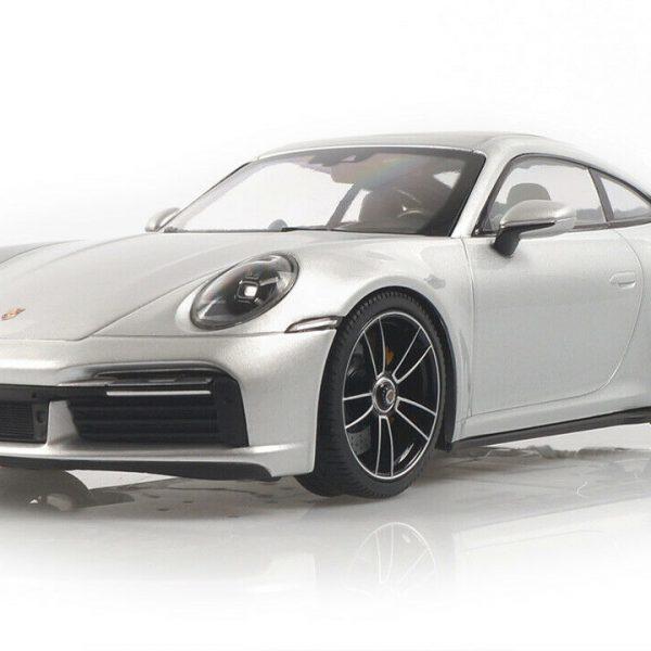 Porsche 911 (992) Turbo S 2020 GT Zilver Metallic 1:18 Minichamps ( Dealer )